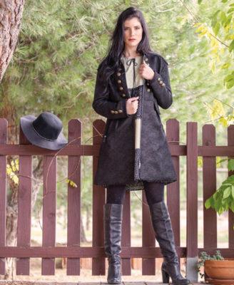 manteau-noir-akinolaude-lesneven